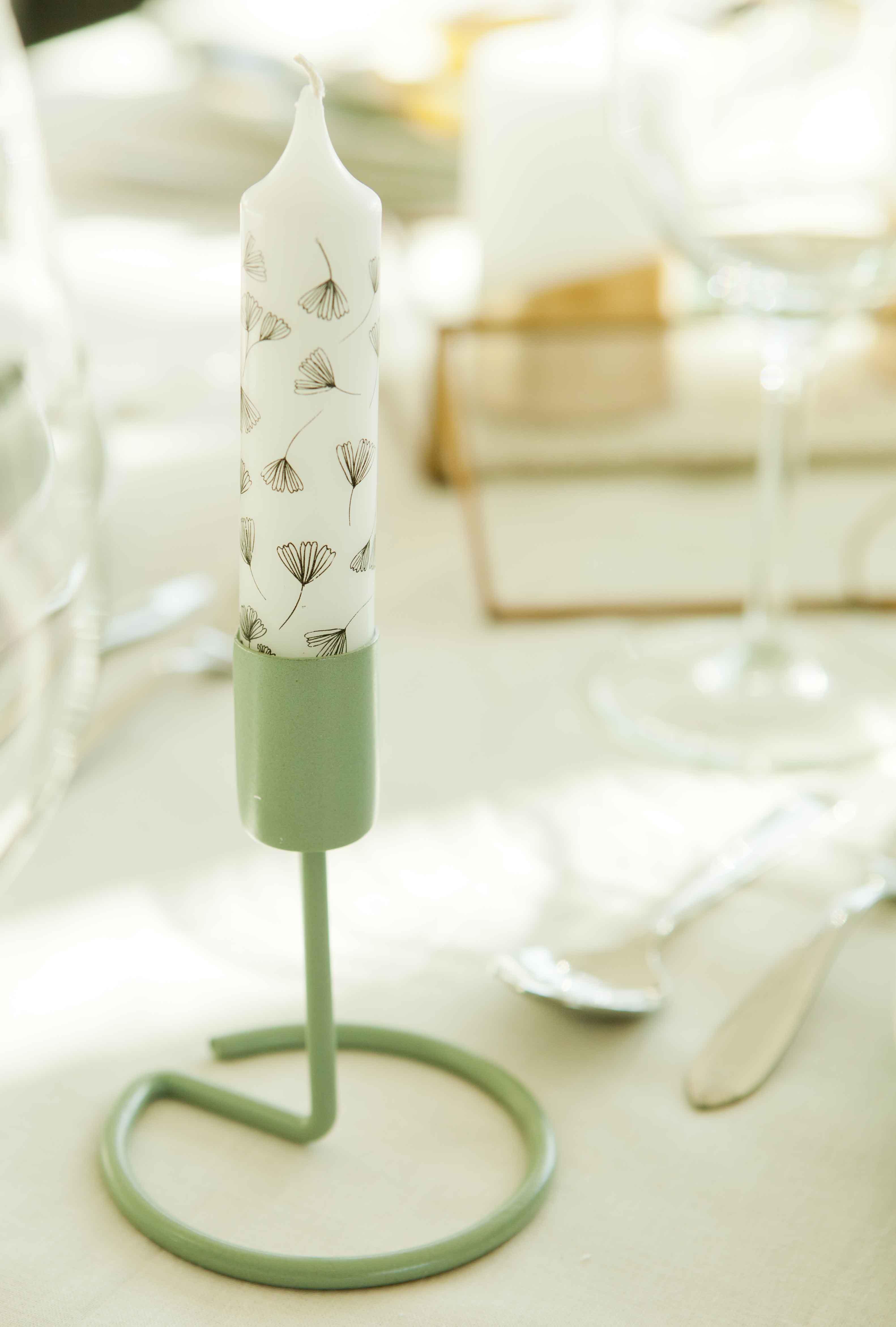 mintgroene kandelaar met kaars en motief